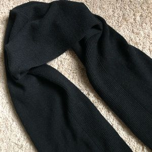 NWOT Totes Black knit hooded scarf / wrap